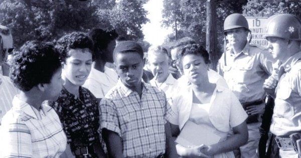 LIttle Rock Nine by Counts  with color_6675034857_o-441299-edited.jpg